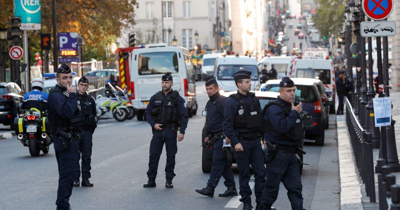 Islamic Convert Kills Four Colleagues in Rampage at Paris Police HQ – Report